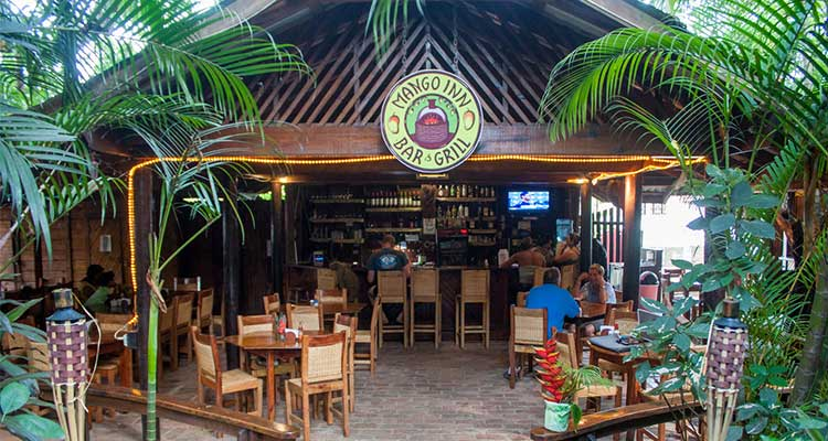 Utila Mango Inn Bar & Grill